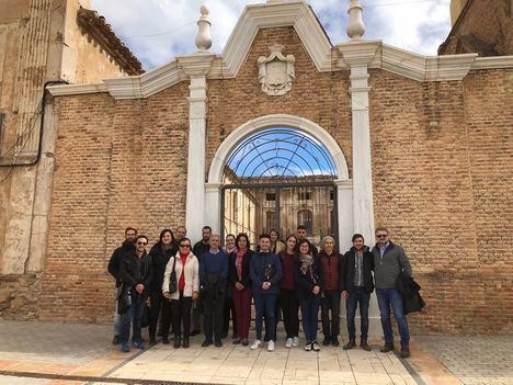 Primera toma de contacto del grupo de la Universidad de Granada que estudiará el Palacio Almanzora