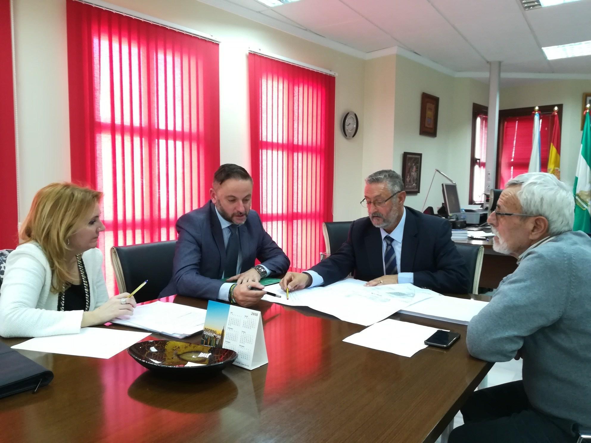 La junta y ayuntamiento de albox acuerdan la cesi n de un for Oficina del sae