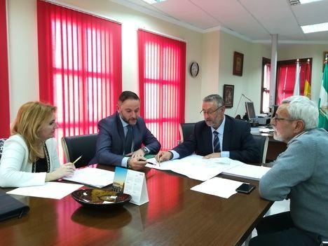 La Junta y Ayuntamiento de Albox acuerdan la cesión de un local para el SAE