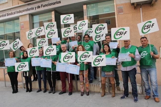 CSIF se concentra en defensa del personal de los Centros de Protección de Menores