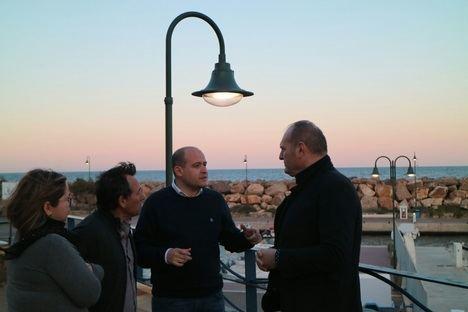 Mejora del alumbrado del puerto de Villaricos y reduce el consumo el 60%