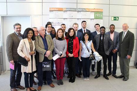 Alumnos de la Universidad de Salford conocen el modelo empresarial del PITA