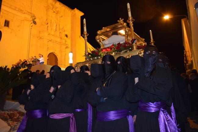 """La Semana Santa de Gádor llega a su momento cúlmen con el """"Santo Entierro"""" y """"La Soledad"""""""
