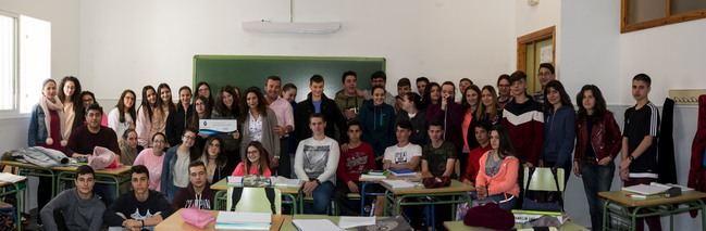 Ayuntamiento de carboneras colabora con el viaje de fin de curso de los 144 alumnos de los centros educativos