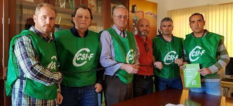 Funcionarios del Acebuche se encierran para exigir la equiparación salarial con Cataluña