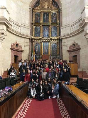 Alumnos de 3º de ESO del IES Puebla de Vícar visitan el Parlamento Andaluz