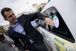 Profesionales del taxi suman su apoyo a la candidatura a Capital Gastronómica Almería 2019