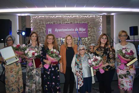 La alcaldesa de Níjar destaca el papel de la mujer en el desarrollo del municipio