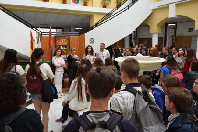 Un total de 52 alumnos del Liceo Jeanne de A'rc de St. Sylvain D'Anjou intercambian el IES Puebla de Vícar