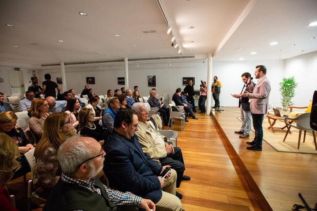 Los almerienses muestran su compromiso con la cultura en un encuentro en el Museo de la Guitarra
