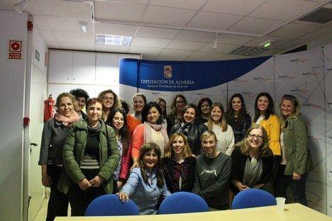 Diputación forma a un centenar de mujeres de la provincia en emprendimiento y nuevas tecnologías