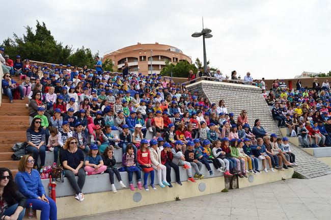 Más de 700 niños festejan el Día del Libro en el Anfiteatro de la Rambla