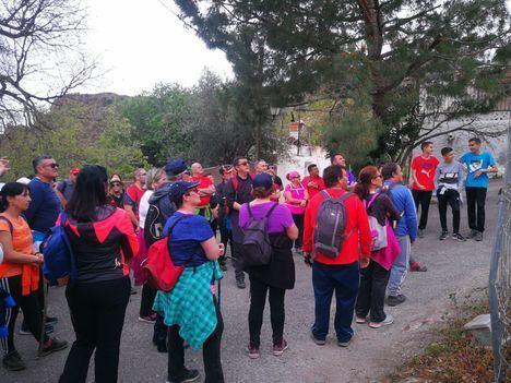 """""""Caminando en Igualdad"""" lleva a 80 nijareños a la ruta minera de Bédar"""