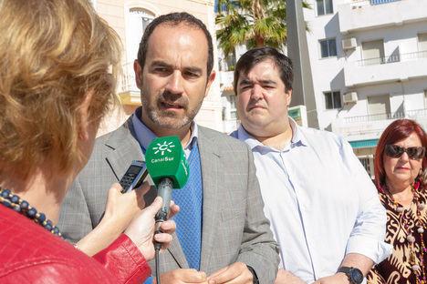 El PSOE carbonero exige la dimisión del concejal de Turismo por difundir vídeos de un sicario de Pablo Escobar