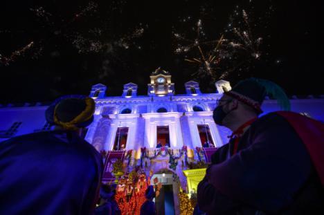 Los Reyes Magos llegan a Almería entre fuegos artificiales