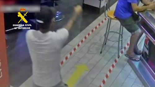 La Guardia Civil desarticula una banda armada que robaba y traficaba con drogas