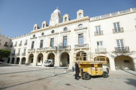 Comienzan las obras de restauración de la fachada de la Casa Consistorial