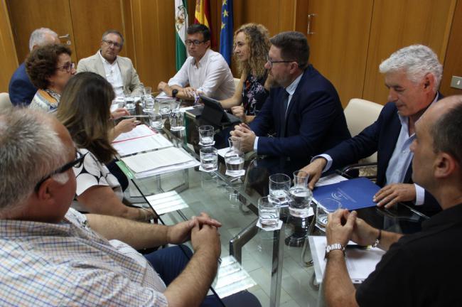 Junta y CSIC crearán un grupo de trabajo sobre investigación e innovación agraria