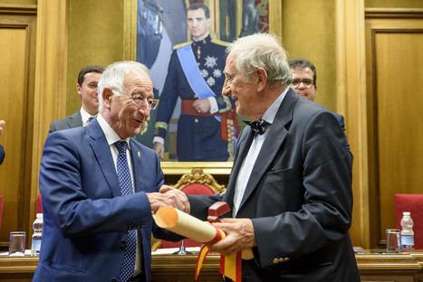 El IEA reconoce a Inocencio Arias y Carmen Pinteño con sus máximas distinciones