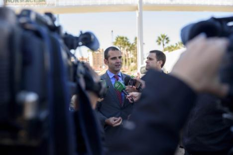 """El alcalde califica de """"muy grave"""" la detención de un policía local"""