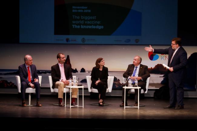 """El alcalde se muestra """"orgulloso"""" de que Almería sea """"referente en el ámbito de las vacunas"""""""