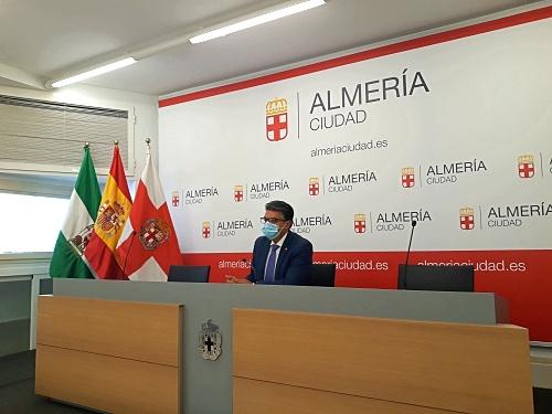 Ciudadanos ve posibilidades de que el El Corte Inglés no renuncie a Almería