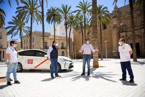 El Ayuntamiento subvenciona con 50.000 euros al sector del taxi