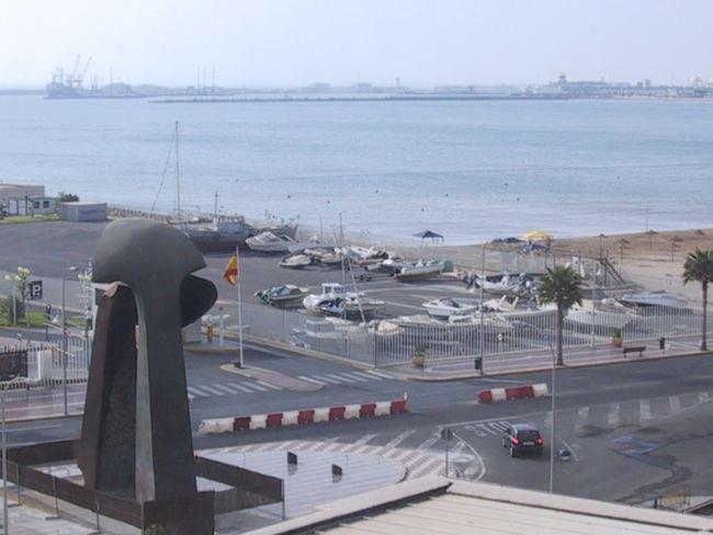 Melilla saca 'bonos' para atraer turistas desde Almería