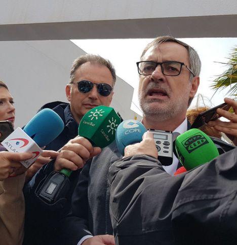 Villegas hace preguntas sobre Almería justo después de anunciarse las elecciones