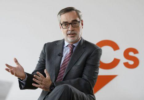 """Villegas (Cs): """"Ni PP ni PSOE se han ocupado de los problemas históricos de Almería"""""""