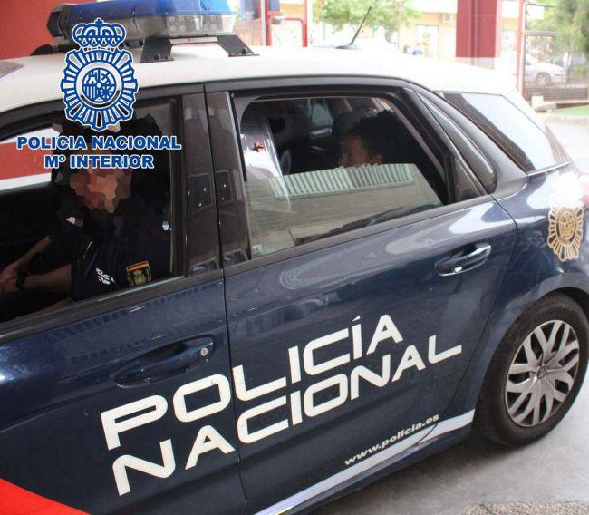 La Policía Nacional detiene a dos hermanos que atracaron a un joven