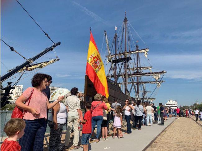 El Puerto de Almería recibe la réplica del barco que dio la primera vuelta al Mundo