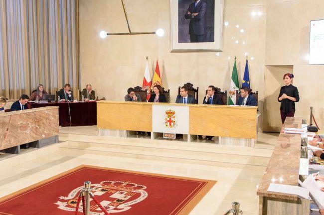 El PP quiere ponerle una calle o plaza a 'La Guardia Civil' en Almería