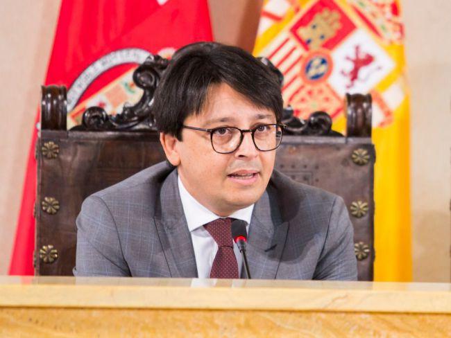 """Manuel Guzmán: """"El PSOE quiere privatizar FICAL"""""""