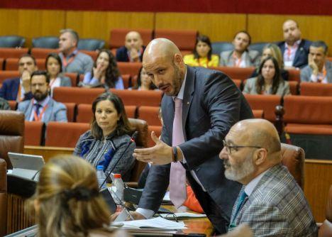 Alonso (Vox) aprovecha una moción sobre Riesgos Laborales para criticar la exhumación del dictador