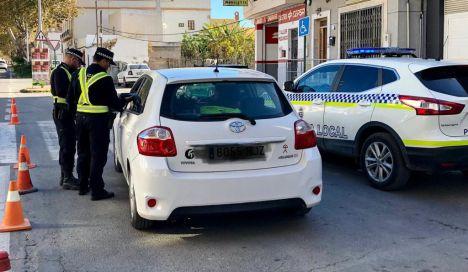 La Policía Local de Adra detiene a un individuo en busca y captura