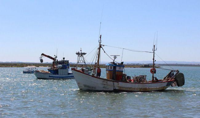 "Crespo asegura que la Junta ""defenderá a la flota andaluza de arrastre del Mediterráneo"