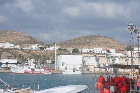 Dragar el puerto de Carboneras costará un millón de euros