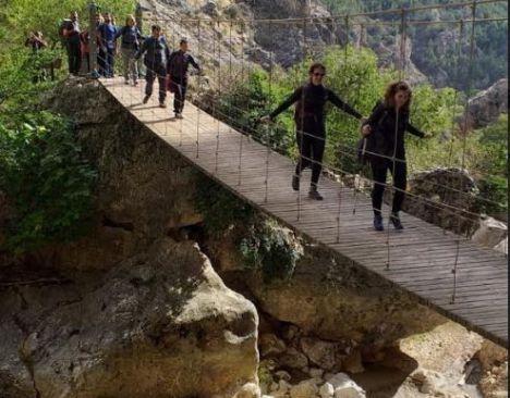 En Vícar se van de senderismo a Valencia en el 'puente'