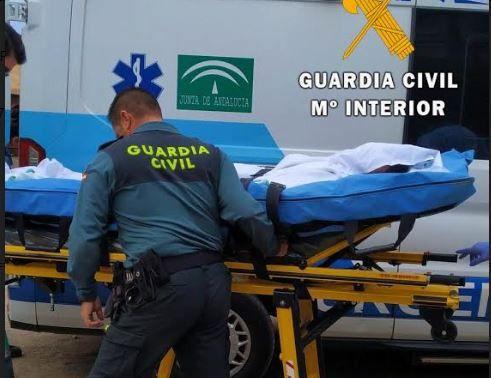La Guardia Civil investiga el hallazgo de un cadáver en una carretera de El Ejido