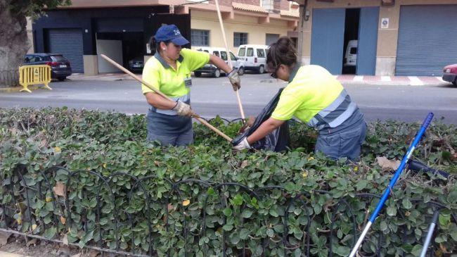 Refuerzo para mantenimiento de jardines y espacios verdes de Adra