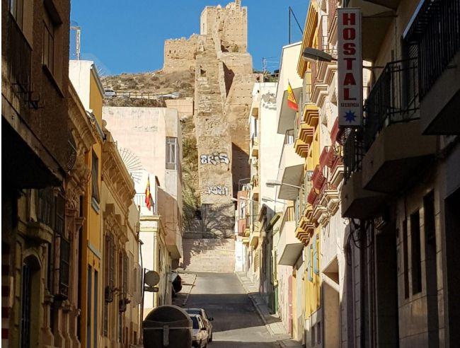 Fomento concede un millón de euros para rehabilitar 22 edificios de Almería