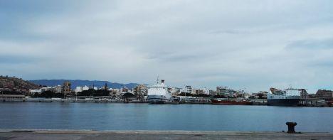 El Puerto de Almería cerró 2019 rozando el millón de pasajeros