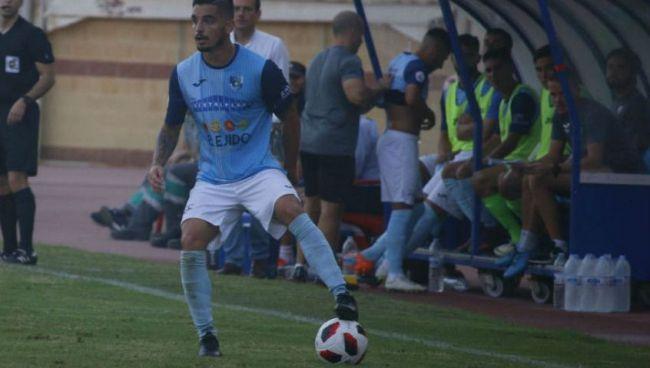 El CD El Ejido vence en Torreperogil jugando con diez
