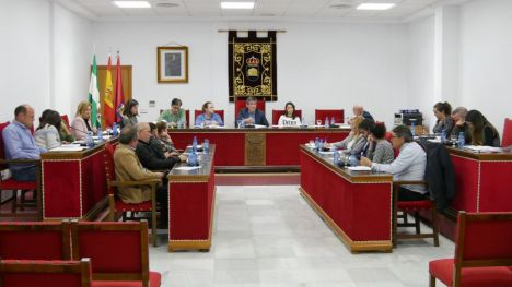 Adra solicita la pavimentación de 2,7 kilómetros de caminos rurales