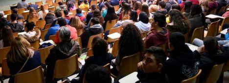 """Imbroda deja en evidencia a Noemí Cruz por no saber qué es el """"refuerzo educativo"""""""