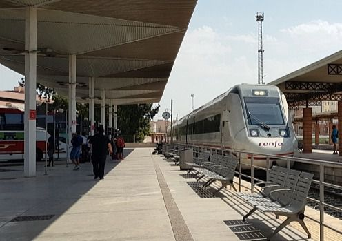 El Avant encarece el tren en Almería que también pierde la conexión con Sevilla