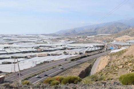 Hace seis meses que el Gobierno tiene el proyecto del tercer carril de la A7 en Roquetas