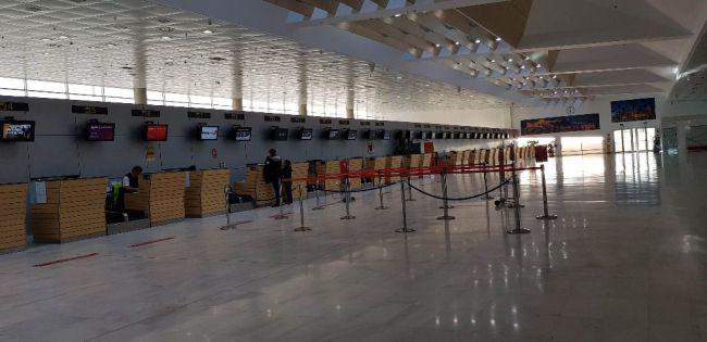 El Aeropuerto de Almería echa el cierre por #COVID19
