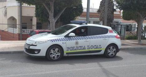 Policía de Vícar tramita casi un centenar de denuncias por incumplir el confinamiento